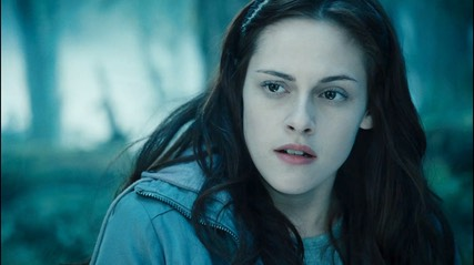 Bella-Twilight-trailer-3-HQ-bella-swan-2558576-2185-1224