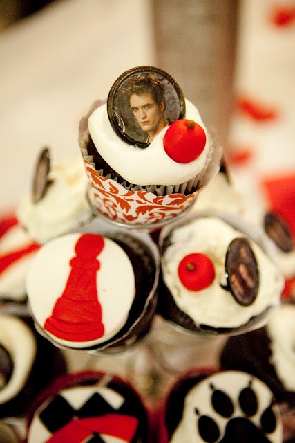 twilight party breaking dawn vampire edward cupcakes decorations ideas red black white